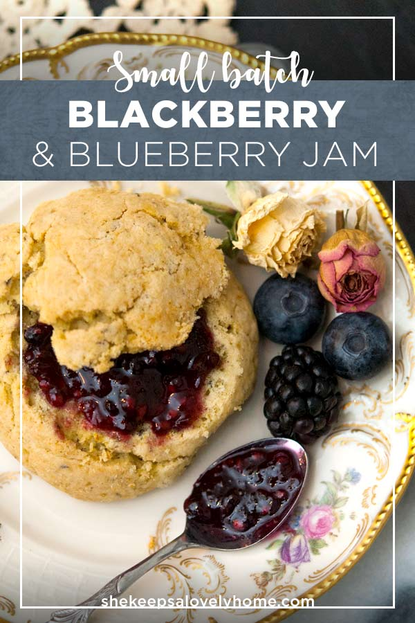This tasty blue and blackberry jam is so nice to serve with homemade pastries or even to give as a thoughtful present! #blackberry, #blueberry, #jamrecipe, #jam, #afternoontea